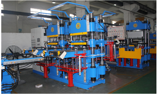 Automatic flat vulcanizing machine